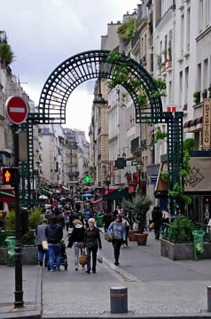 Entrance to Rue Montorgueil
