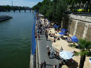 800px-Paris_Plages_2,_July_22,_2012