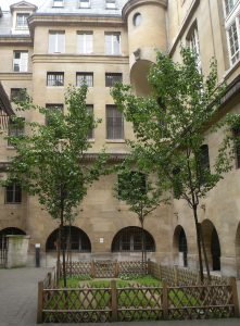 Conciergerie courtyard