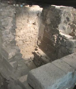Notre Dame archaeological crypt 14